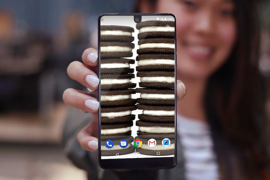 android, Andy Rubin, essential, essential phone, gear, mobile, operating system, oreo8.0, oreo8.1,update,